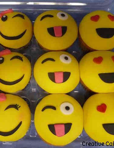 Kids 29 Emoji Cupcakes