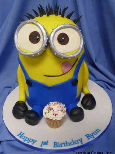 Neutral 22 Minion First Birthday Cake