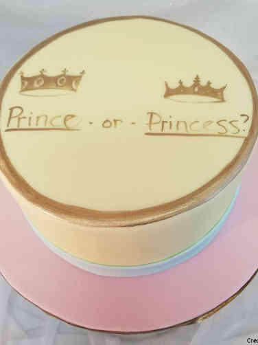 Reveal 16 Prince or Princess Gender Reveal Cake