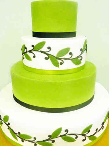 Colorful 19 Green Leaves Wedding Cake