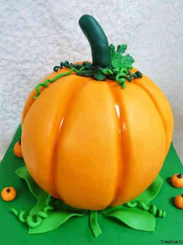 Autumn 06 3D Pumpkin Halloween Cake