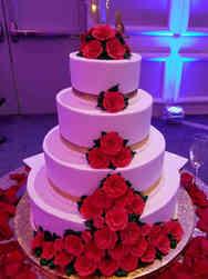 Floral 12 Red Roses Wedding Cake