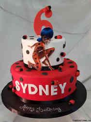TV 32 Miraculous Ladybug Birthday Cake