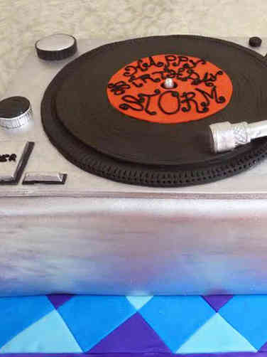 Hobbies 24 Record Player Birthday Cake