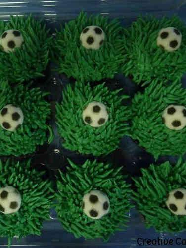 Kids 28 Soccer Ball Cupcakes