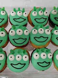 Kids 11 Green Alien Faces Birthday Cupcakes