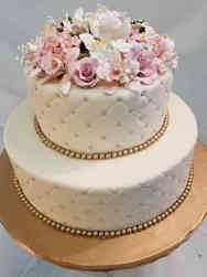 Trendy 09 Ivory Quilted Wedding Cake