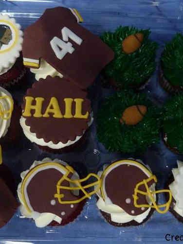 Adult 24 Washington DC Redskins Birthday Cupcakes