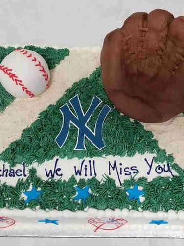 Professional 04 New York Yankees Retirement Cake