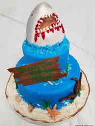 Animals 07 Ferocious Shark Birthday Cake