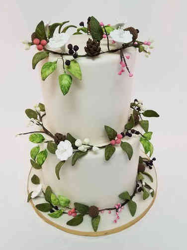 Floral 53 Woodland Garland Wedding Cake