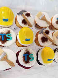 Other 05 Trading Spaces Corporate Celebration Cupcakes