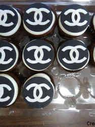 Adult 17 Chanel Logo Birthday Cupcakes