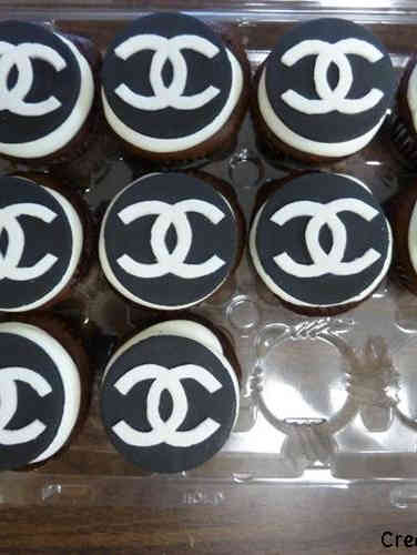 Adult 17 Chanel Logo Birthday Cupcakes