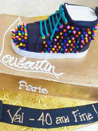 Fashion 04 Louboutin Shoe Box Birthday Cake