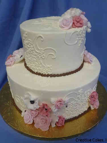 Elegant 17 Delicate Flowers and Lace Wedding Cake