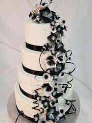 Trendy 03 Black and White Fantasy Flowers Wedding Cake