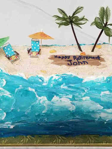 Professional 06 Beach Scene Retirement Cake