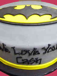 Superheroes 04 Batman Symbol Birthday Cake