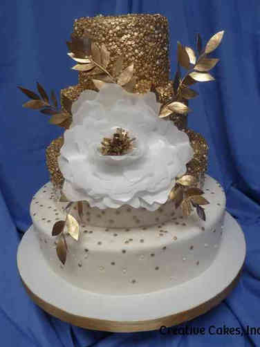 Trendy 12 Sequins and Grand Flower Wedding Cake