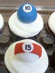 Adult 09 Pool Ball Birthday Cupcakes