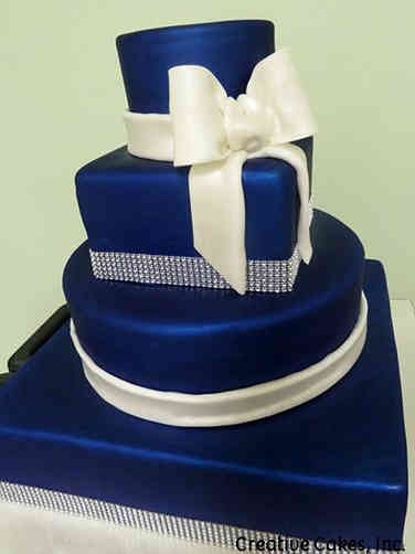 Elegant 16 Pearlescent Navy Wedding Cake