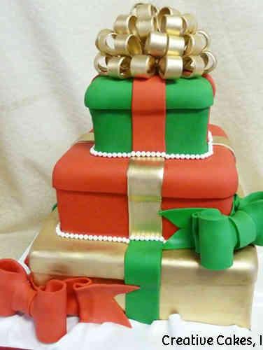 Winter 14 Pile of Presents Holiday Celebration Cake