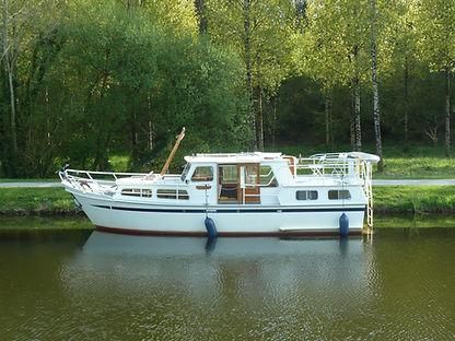 Albatross moored on the Blavet