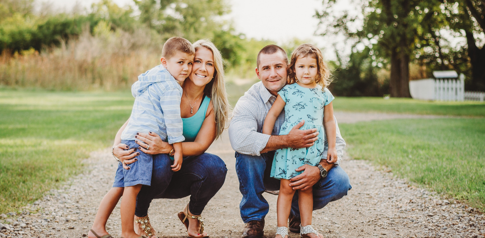 KSP_Family_AngelaRobinson_08_16_05.jpg