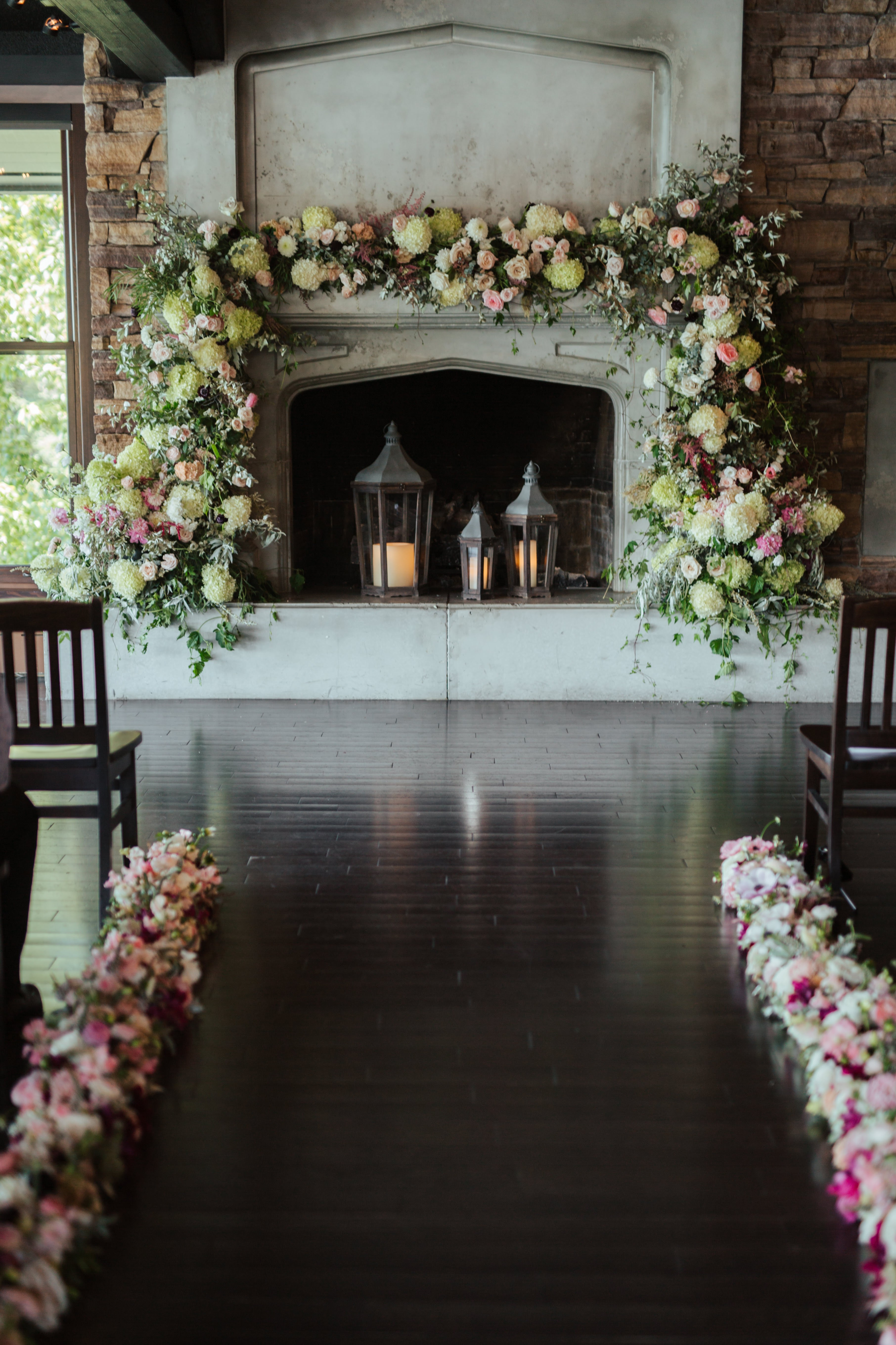 The Lakehouse Fireplace: Foam Free Flower Installation