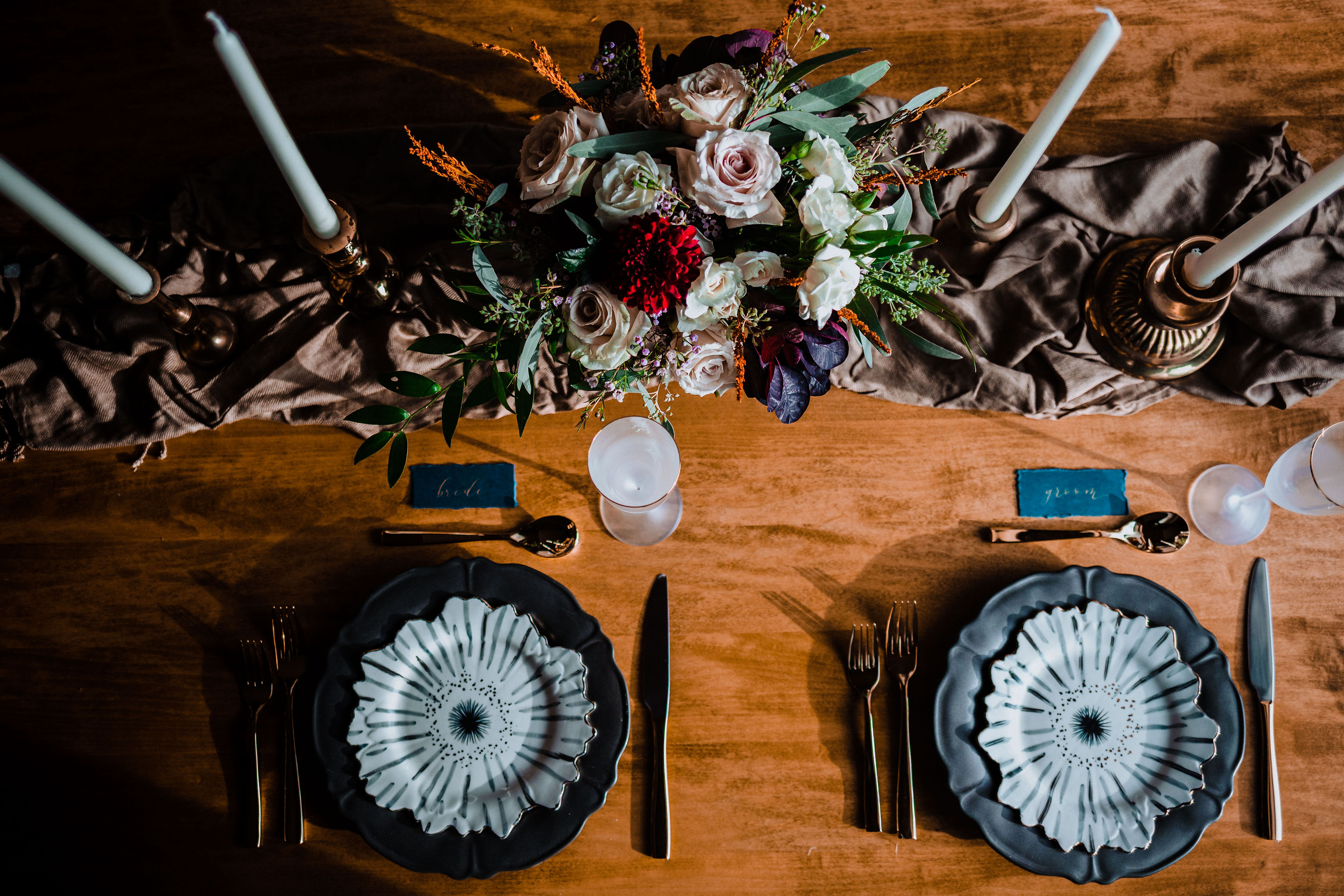 GoldenElopement- Table Scape