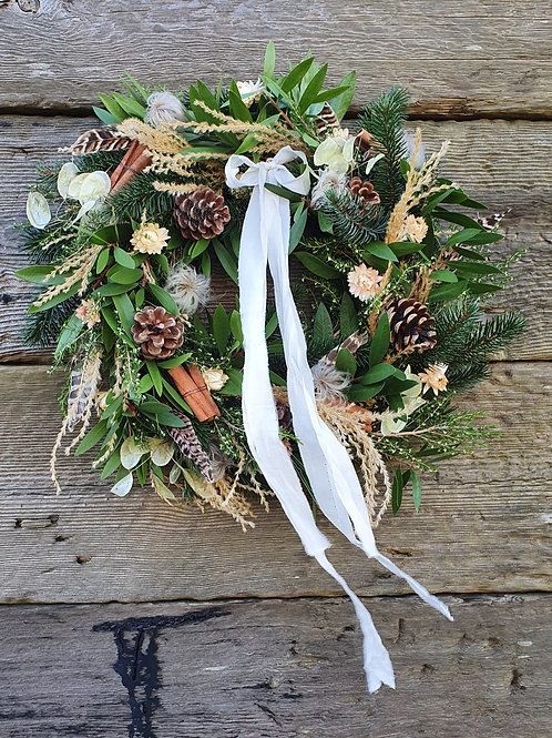 A White Christmas Wreath