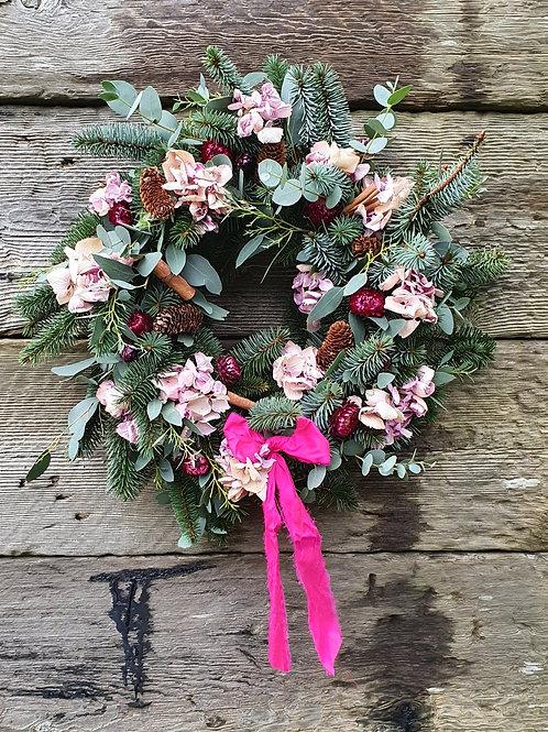 A Blushing Christmas Wreath