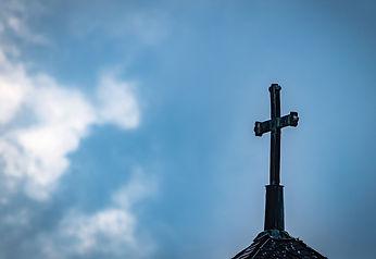 Kreuz vor Himmel.jpg