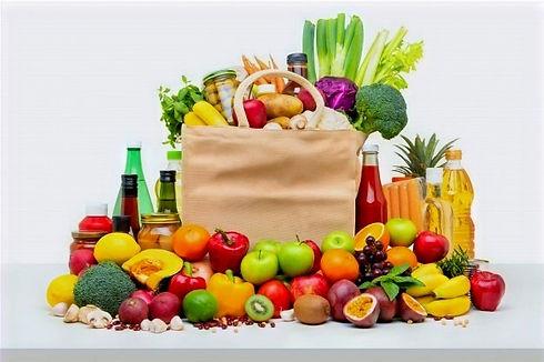 sac-courses-rempli-fruits-legumes-frais-