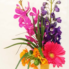 Specialty vase with color