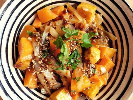 Curry rouge de tofu, butternut et patate douce, sauce soja et sirop de gingembre L'empirique