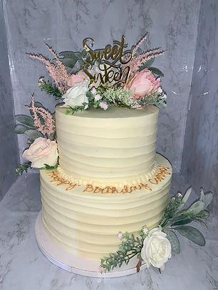 sweet 16 cake.jpg
