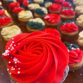 christmas cupcakes 3.jpg