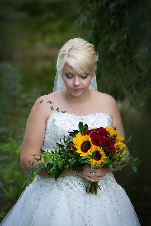Lori Beneteau Photography wedding photographer London Ontario Strathroy  Sydenham Ridge Estates