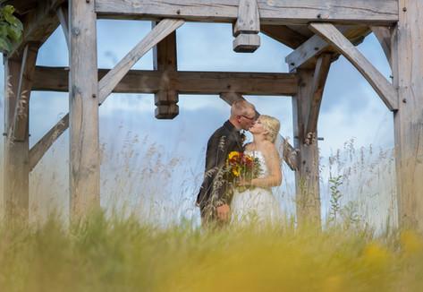 Lori Beneteau photography wedding photographer London Ontario Sarnia Woodstock Strathroy Sydenham Ridge Estates