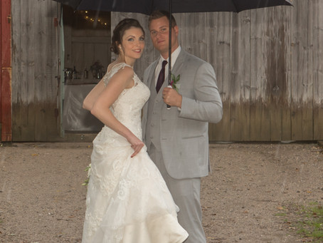 Tips for Great Wedding Photos, Even If It's Raining