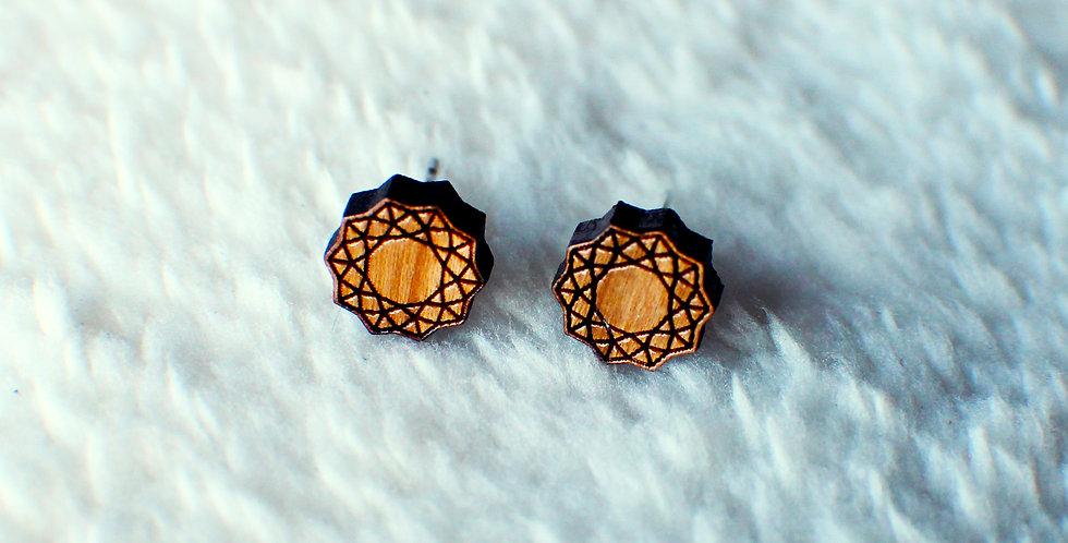 Geometric Wreath Stud Earrings