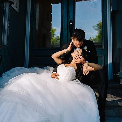 wedding couple pose