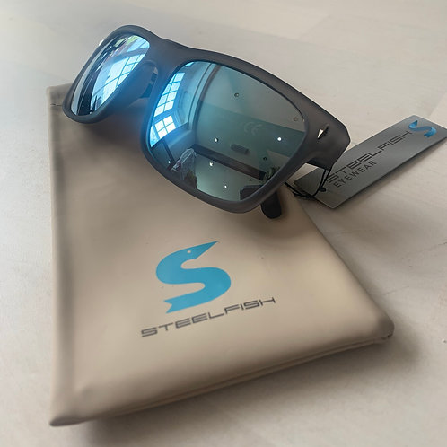 Steelfish 'Camaro 3' sunglasses in Grey/Ice Blue