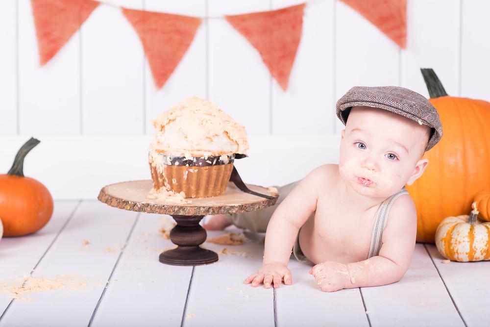 child photographer lake wylie cake smash