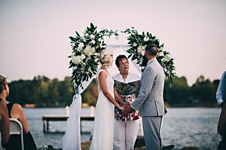 LAKE WYLIE WEDDING PHOTOGRAPHER PHOTOGRAPHY ENGAGEMENT