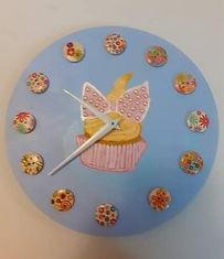 Cupcake Clock.jpg