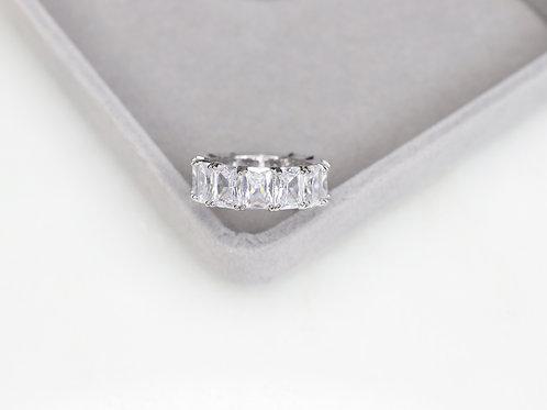 Emerald Larrisa Ring