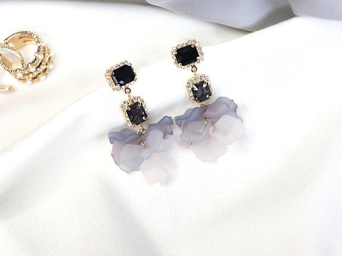 Black Gem Petals Earrings